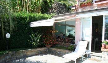 Rif. #505, Villetta singola fronte mare, al confine tra Ospedaletti e Bordighera.